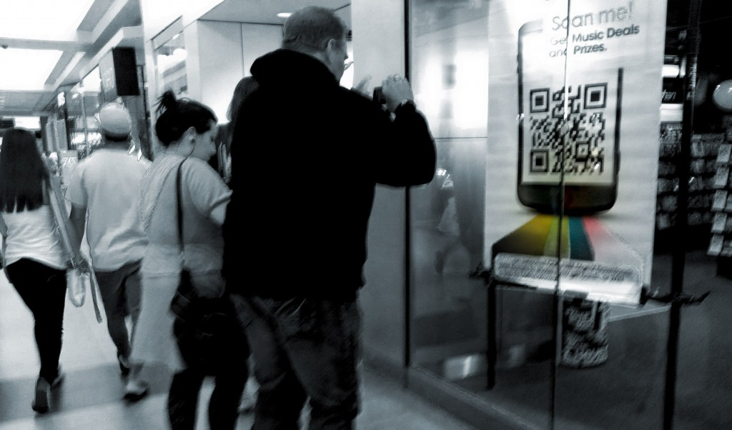 People-Scanning-a-QR-code-in-the-Mall